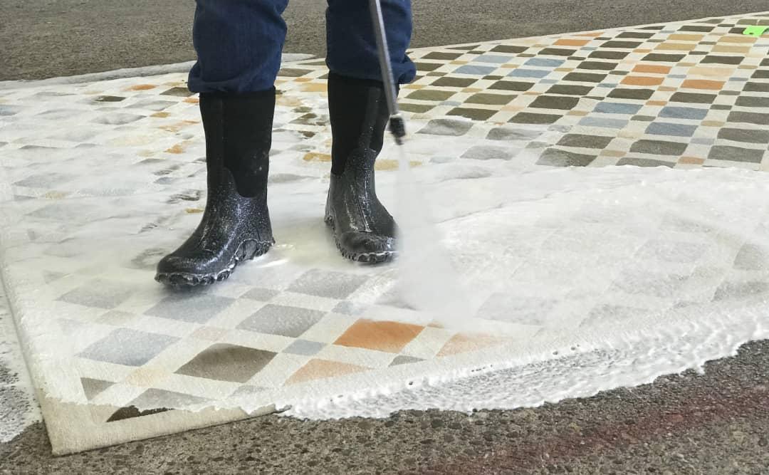 برق انداختن فرش