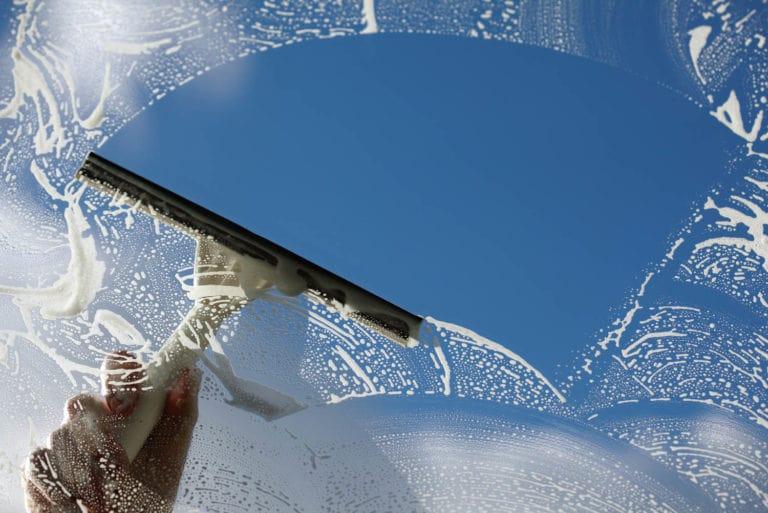 شستن پنجره ها
