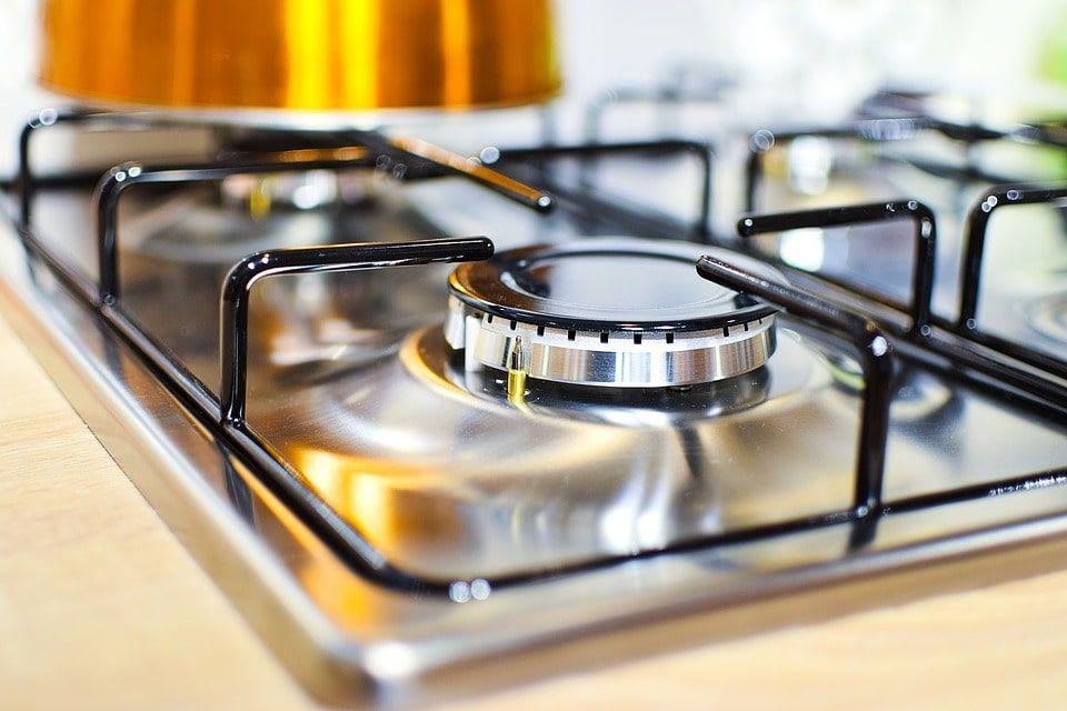 تمیز کردن ذرات غذا و چربی با سرکه