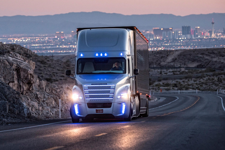 حمل بار با کامیون به نیشابور