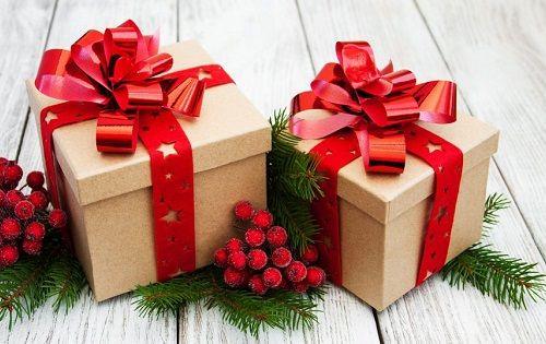 از کارتن ها می توان برای بسته بندی هدیه استفاده کنید.