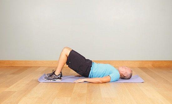 برای جلوگیری از کمردرد عضلات خود را تقویت کنید.