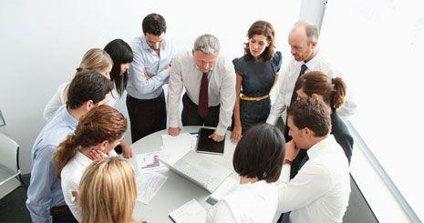 با اعضای تیم و کارمندان دفترکار خود اسباب کشی را هماهنگ کنید.