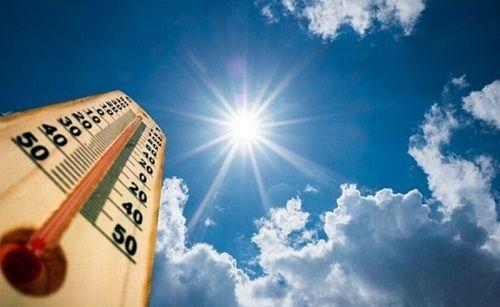 تابستان آب و هوای بهتری برای حمل و نقل دارد.