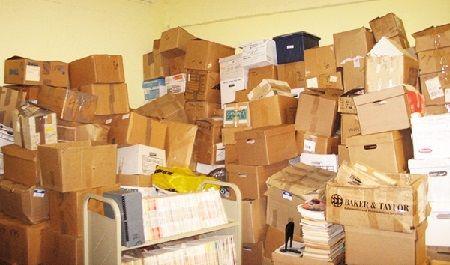 مراجعه به مراکز بازیافت کارتن برای تهیه کارتن های بسته بندی