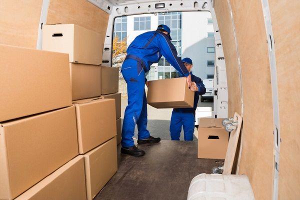 اثاثیه ها را درون وسیله نقلیه حمل و نقل سازمان یابی نمایید.